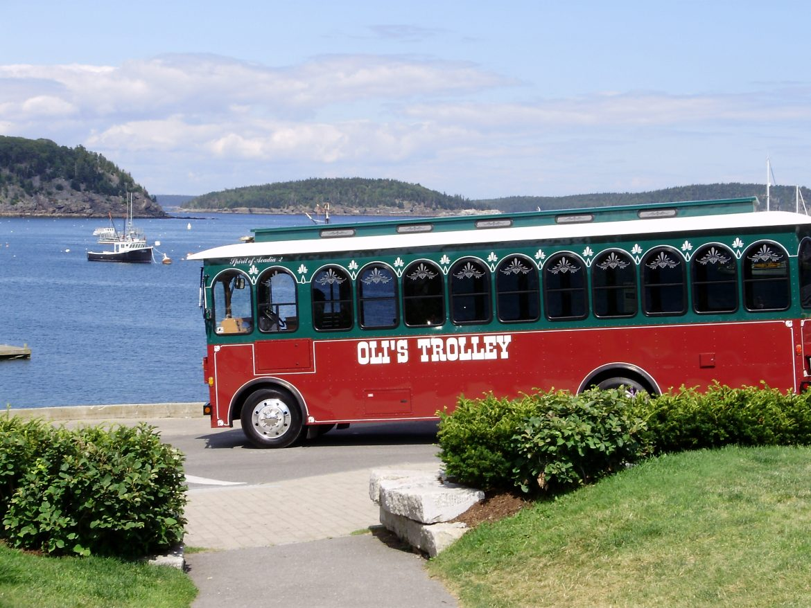 "Be a ""tourist in your own back yard"" with Oli's Trolley"
